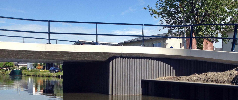 brug beton antraciet, Stakenbrug Den Hoorn