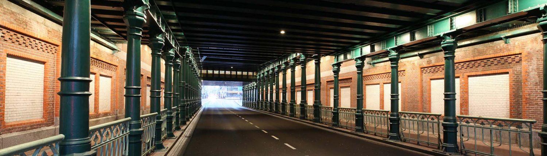 hekwerk, verlichting spoorpassages Haarlem, onderdoorgang spoor, lichtontwerp door IPV Delft