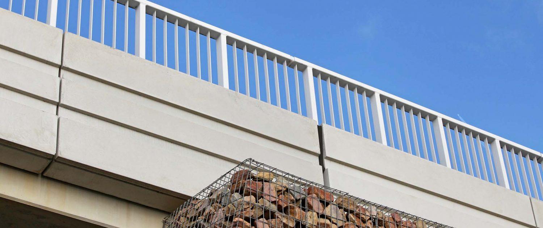 kunstwerken verkeersbrug beton schanskorf, brugontwerp door ipvDelft