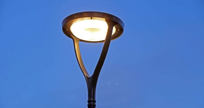 lichtarchitectuur-Omego lichtarmatuur ipvDelft, straatverlichting, lichtarchitectuur door ipv Delft