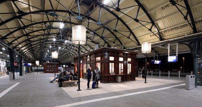 Lampenkap-Leeuwarden-Centraal Station-ipvDelft