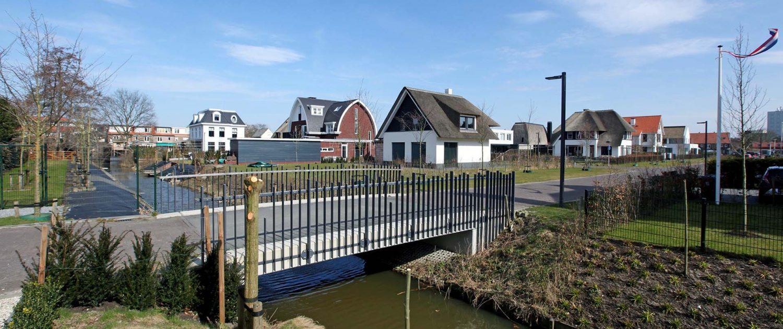 bruggen lichtmasten zelfde stijl Haringbuys Bloemendaal ontwerp ipv Delft