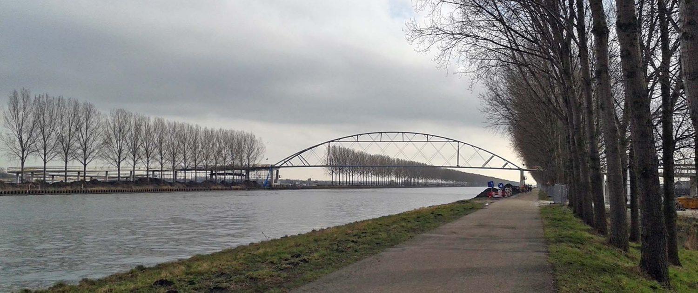 zijaanzicht fietsbrug Nigtevecht na plaatsing ontwerp ipv Delft
