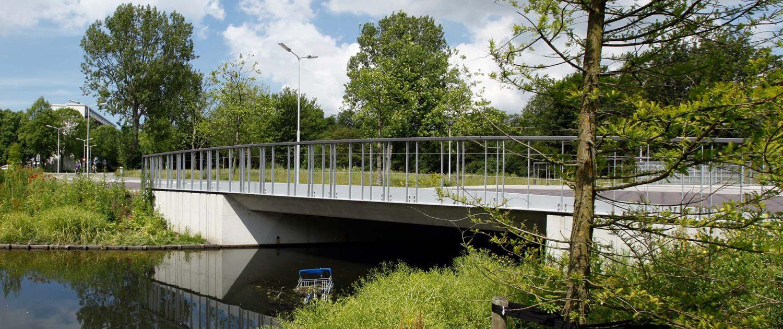 betonnen verkeersbrug Delft Zuid ipv Delft