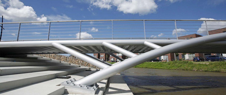brug-stalen-buisprofielen-trap-aan-het-water-EttenLeur-ipv Delft