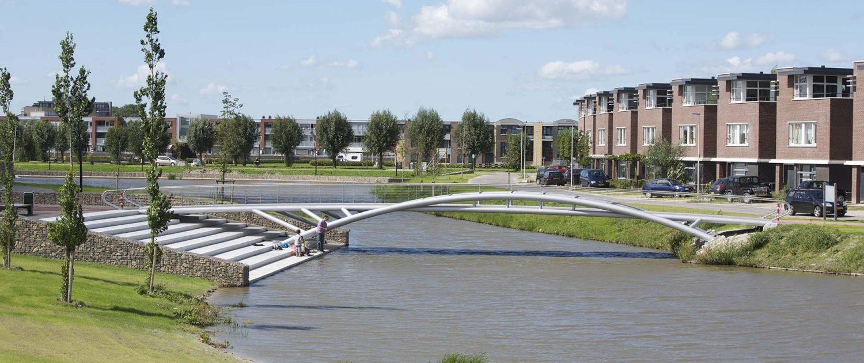 boogbrug staal Schoenmakerspark EttenLeur ipv Delft