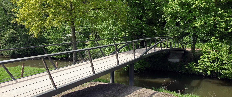 stalen voetgangersbrug met drukboog Geuldal ontwerp ipv Delft