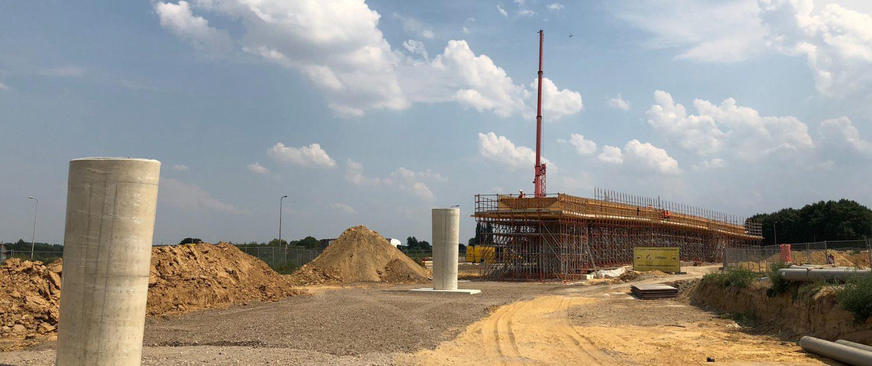 BAM bouwt brug Onderbanken