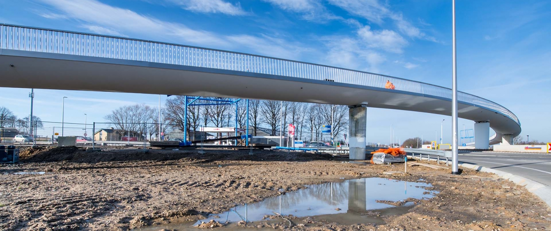 betonnen fietsbrug Onderbanken N274 Schinveld