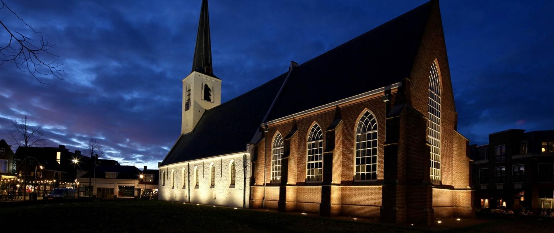 Witte Kerk Noordwijkerhout avondbeeld
