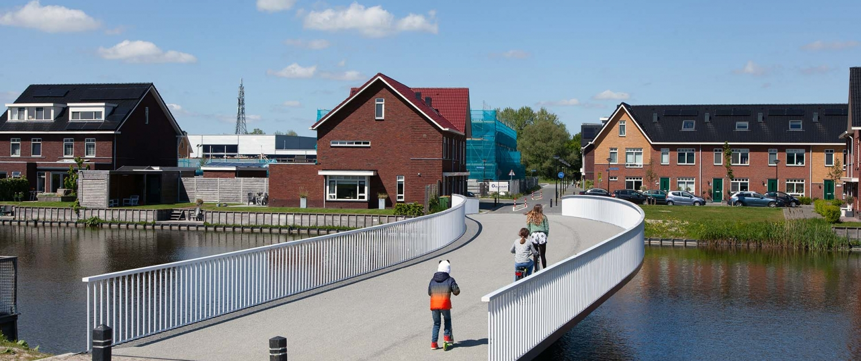 HHW.11_026_fietsbrug-De-Draa-Heerhugowaard-voor-aanzicht-vanaf-straatkant-ipvDelft
