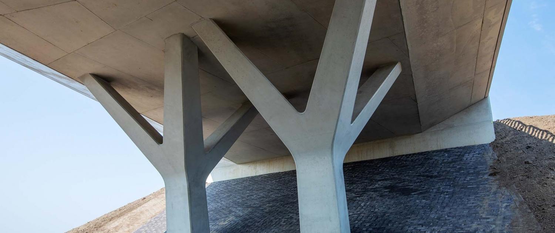 PGL.04_045_betonnen-steunpunten-boomvormig-viaduct-N303-Voorthuizen-ipvDelft