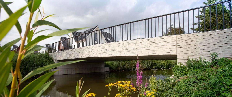 metselwerk reliëf in betonnen prefab elementen brug-De-Herven-DenBosch