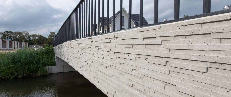 WAL.12_008_relief in betonnen brugrand brug-De-Herven-DenBosch-ontwerp-ipvDelft