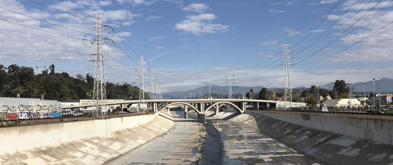 LA River vanaf N. Main Street noordwaarts